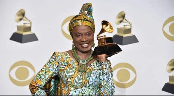 Bénin : Après son 4ème trophée, le président Talon rend hommage à Angélique Kidjo