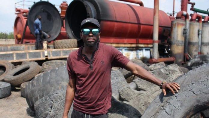 Transformer les pneus en carburant, une idée portée par un entrepreneur ghanéen