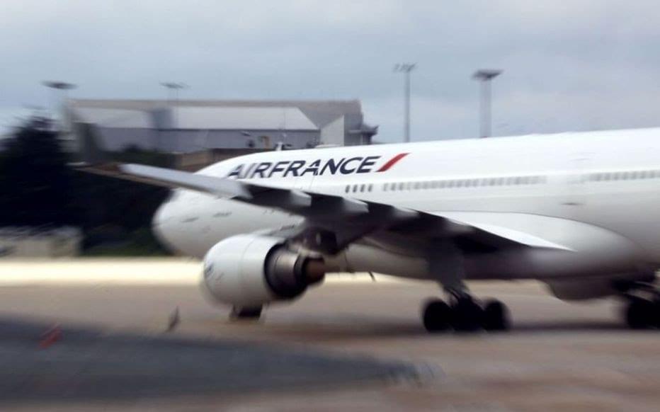 France: Un enfant retrouvé mort dans le train d'atterrissage d'un avion venant d'Abidjan