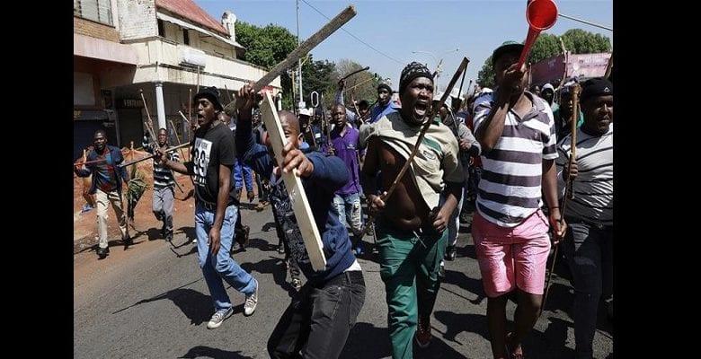 Xénophobie en Afrique du Sud : les Nigérians et autres étrangers sommés de quitter le pays