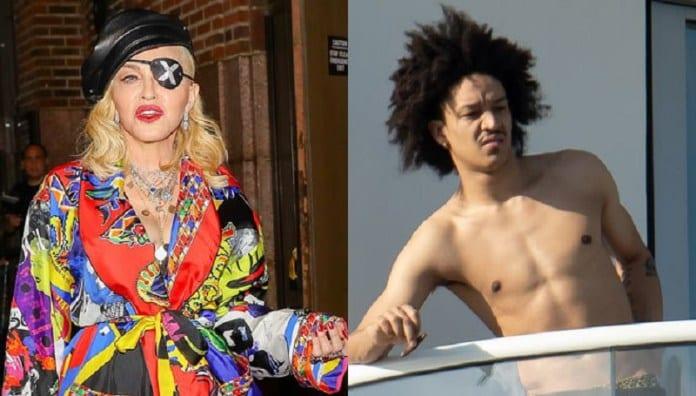 People : Le père du nouveau petit ami de Madonna s'exprime sur la relation de son fils