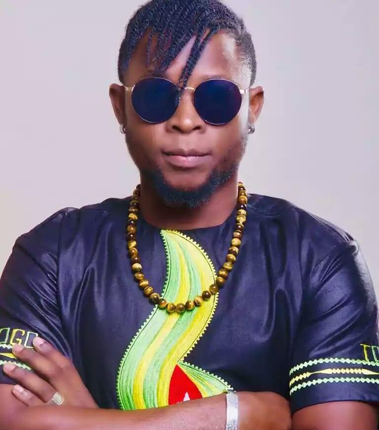Découvrez «Awoo Mawugné», la dernière chanson sur laquelle travaillait l'artiste OMAR B