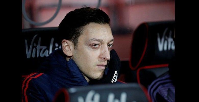 """CHOC! deux hommes ont menacé """"de tuer"""" Mesut Ozil"""