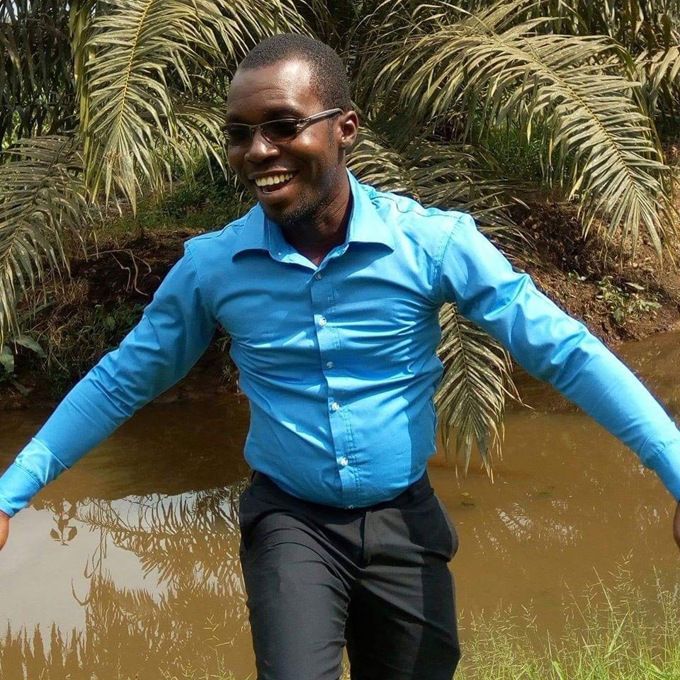 Côte d'Ivoire : Les microbes égorgent en pleine journée un jeune propriétaire d'Orange Money