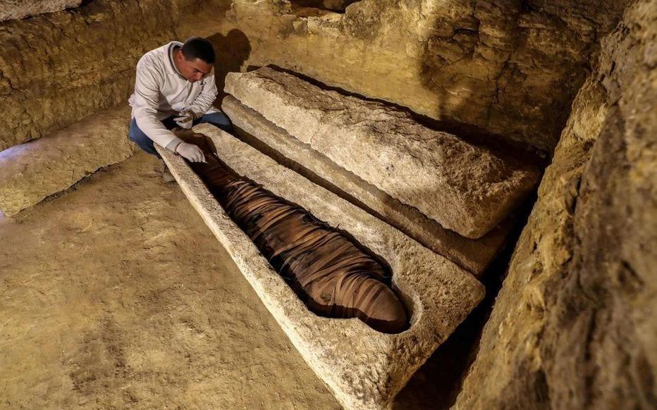Egypte : découverte de tombes de prêtres des dieux Thot et Horus