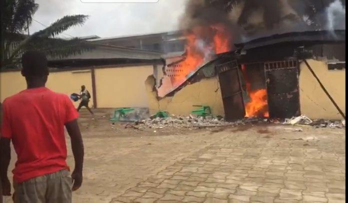Guiglo : un incendie ravage la maison d'un pasteur