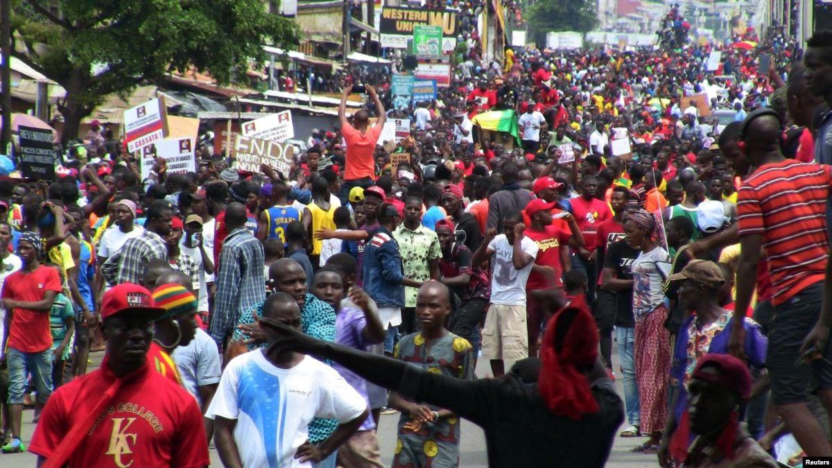 Guinée: un jeune tué lors de la grande manifestation anti-Condé ce lundi à Conakry