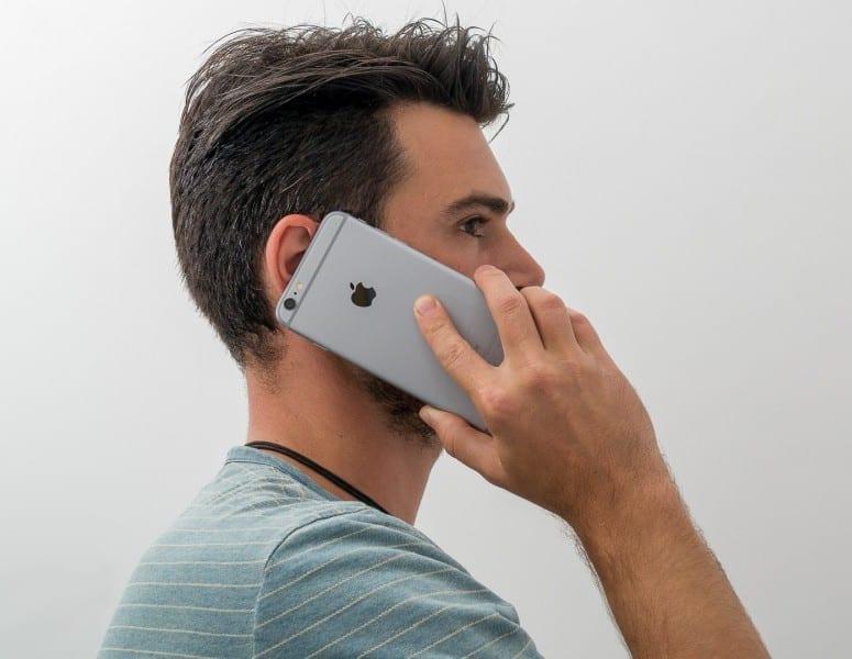 Les méchants dans les films sont interdits d'utiliser des iPhone