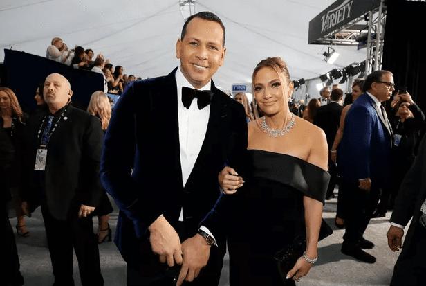 Jennifer Lopez et Alex Rodriguez se marieront cet été… et inviteront leurs ex