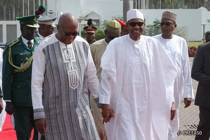 Fermeture des frontières nigérianes : Buhari invite les pays voisins à être patients