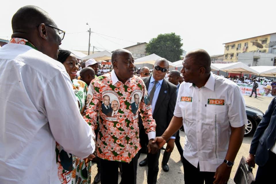 La démonstration de force de Ouattara à Abidjan. Soro est prévenu (25 photos)