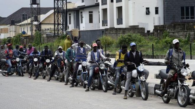 Les taxi-motos de Lagos refusent de quitter les rues