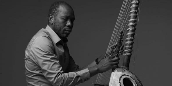 Mali : Ballaké Sissoko, virtuose de la kora, privé de son instrument par les douanes américaines