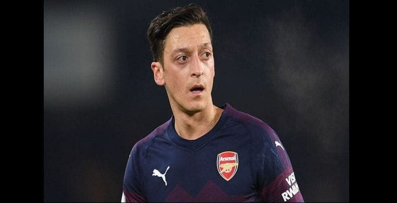 Mesut Ozil finance l'opération chirurgicale de 18 enfants ougandais (photos)