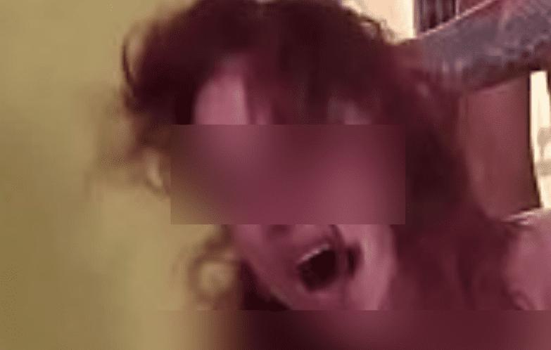 Pourquoi les hommes aiment tirer les cheveux de la femme pendant qu'ils lui font l'amour