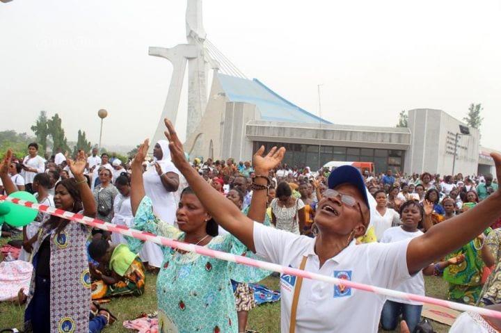 Côte d'Ivoire : Des milliers de chrétiens catholiques prient pour une présidentielle paisible