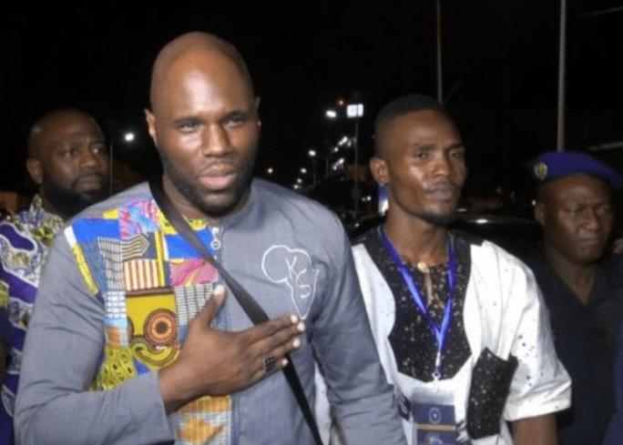 Urgent : Kemi Seba retenu par la police Sénégalaise à l'aéroport de Dakar