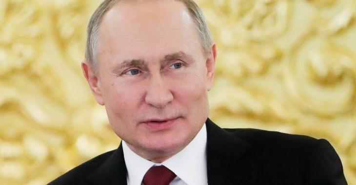 Vladimir Poutine désire inscrire dans la Constitution russe qu'un mariage est une union entre un homme et une femme.