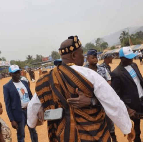 Meeting de campagne de Faure Gnassingbé : un chef traditionnel fouillé comme de vulgaire individu