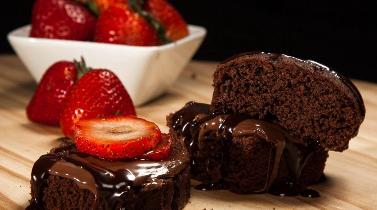 Oui, manger du gateau au chocolat pour le petit déjeuner est bon pour la santé d'après des études