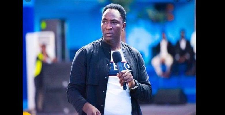 Après TB Joshua, un autre pasteur nigérian révèle la date à laquelle le coronavirus disparaîtra (vidéo)