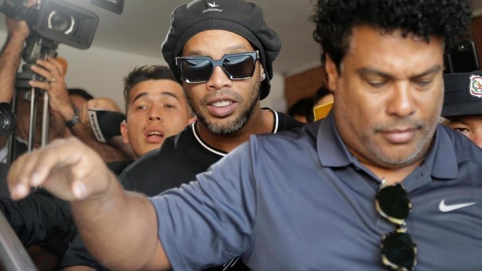 Arrestation pour détention de faux passeport : voici ce que risque Ronaldinho