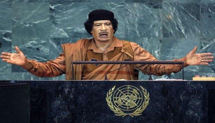 """Colonel Kadhafi: """"Ils vont créer le virus, faire semblant de trouver la solution, et vendre les antidotes"""""""