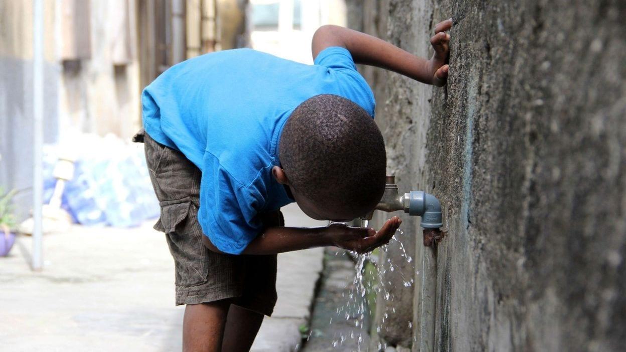 Coronavirus…Alors qu'au même moment, le manque d'eau potable coûte la vie à 1000 enfants par jour
