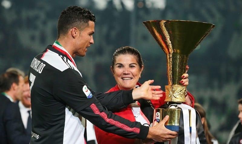 Cristiano Ronaldo en détresse, sa mère victime d'un AVC