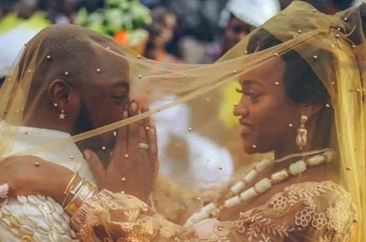 La femme Togolaise de Davido empêche son mariage avec Chioma