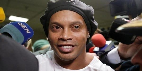 En prison, Ronaldinho marque 5 buts et remporte un tournoi-Vidéo