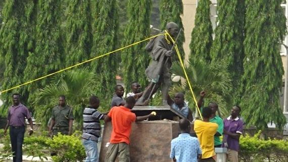 Ghana : une statue de Gandhi démolie à cause du racisme