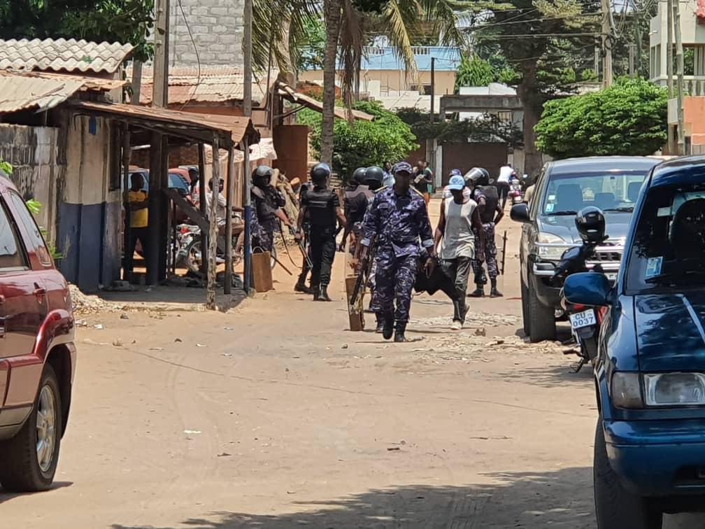 Urgent/ La maison d'Agbéyomé Kodjo encerclée par des forces de l'ordre ce mercredi