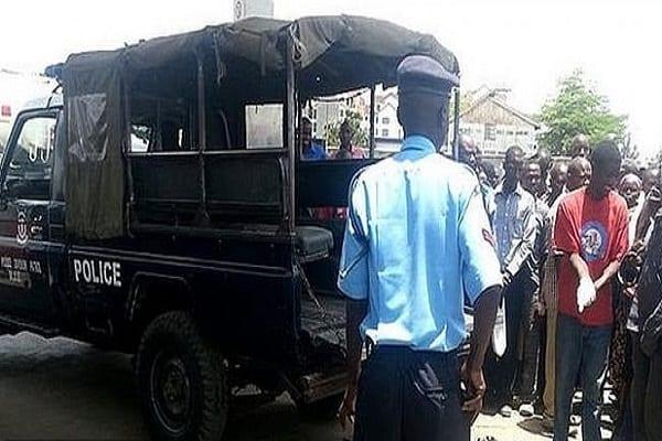 Kenya : un homme soupçonné d'avoir contracté le coronavirus battu à mort