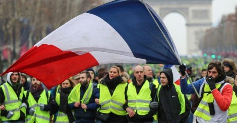 Les Gilets jaunes basculent-ils dans le terrorisme? le renseignement français alerte