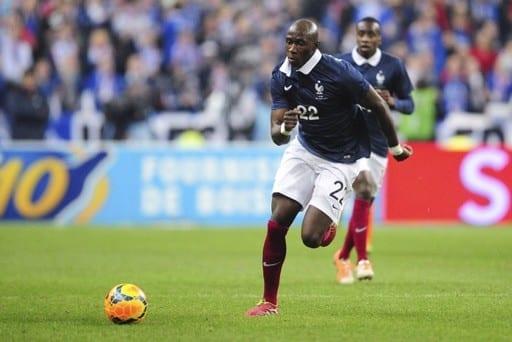 Mangala, ancien défenseur de Man City, testé positif au coronavirus