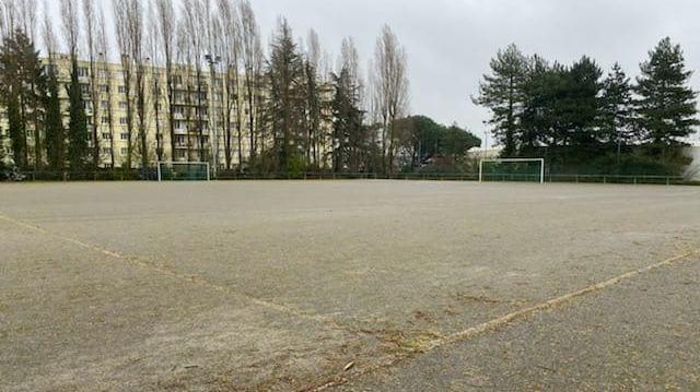 Nantes : le corps d'une jeune femme de 36 ans retrouvé sur un terrain de foot