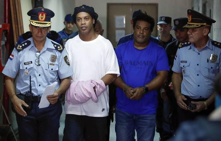 Voici la première image de Ronaldinho en prison