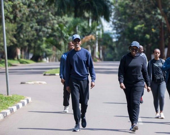 Rwanda: Kagame et son épouse se promènent tranquillement (Photos)