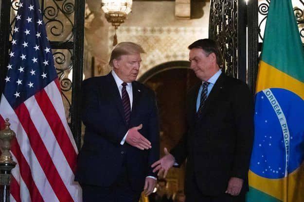 Un collaborateur de Bolsonaro ayant rencontré Trump déclaré positif au Coronavirus