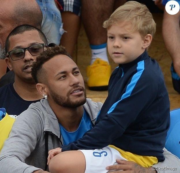 Neymar dévoile les joueurs préférés de son fils