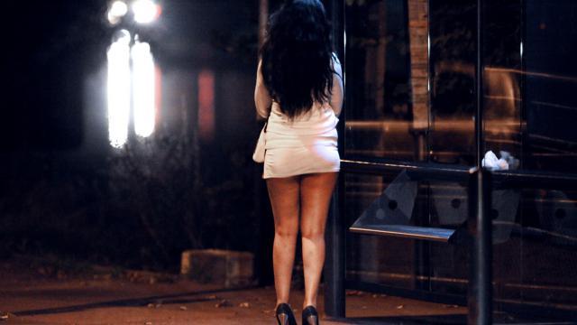 Bénin : Il paie une prostituée avec un faux billets et se fait arrêter