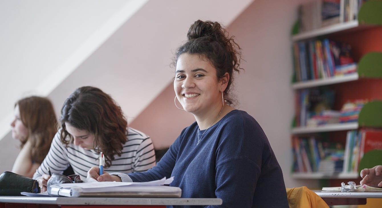 Coronavirus/France : Pas d'examens écrits cette année; les élèves seront évalués sur les notes de classe