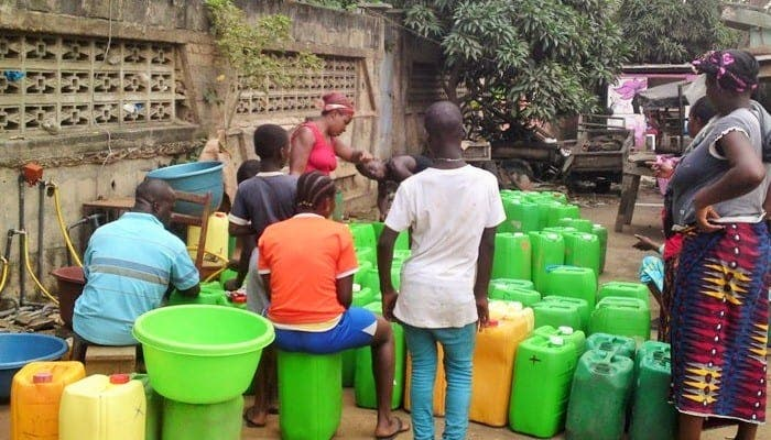 En Côte d'Ivoire, plus de 3 habitants sur 10 n'ont pas accès à l'eau potable : « aberrant pour un pays qui fanfaronne avec une croissance économique à 7 % »