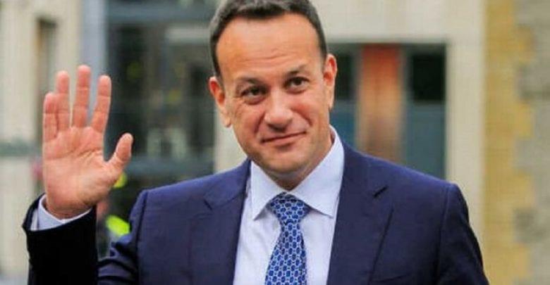 Irelande: Le Premier ministre reprend son travail de médecin pour combattre le Covid-19