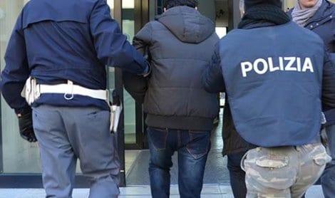 Italie : il tue sa petite amie pour lui avoir transmis le coronavirus