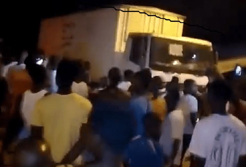 La psychose du test du vaccin Covid-19 en Côte d'Ivoire s'est emparée des Ivoiriens : un camion de médicament pris à partie à Bangolo