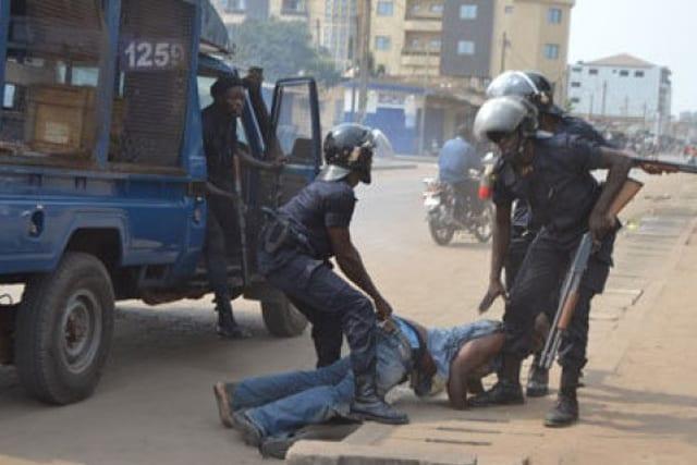 Les militaires togolais auraient battu et fait éclater les t€sticules d'un jeune homme