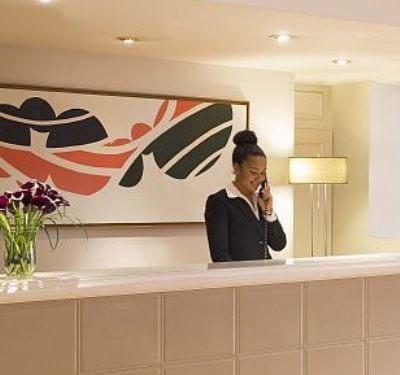 HOTEL RECRUTE DES RÉCEPTIONNISTES