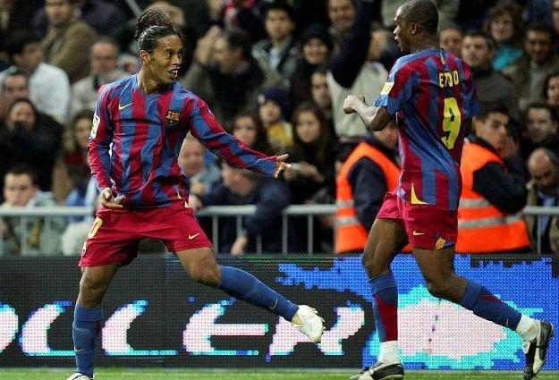 Ronaldinho et Samuel Eto'o ; deux légendes du football que le monde ne connaîtra plus jamais
